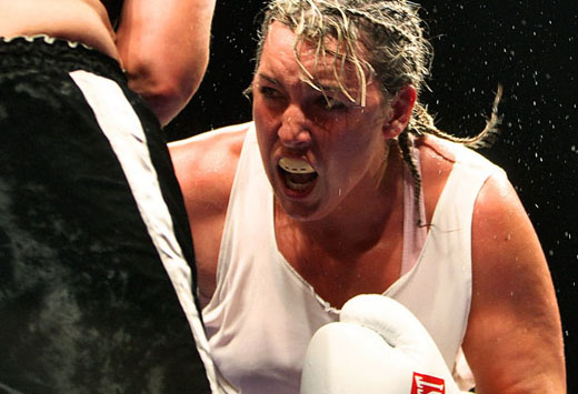 Post image for Christy Martin Breaks Hand, Wins Title